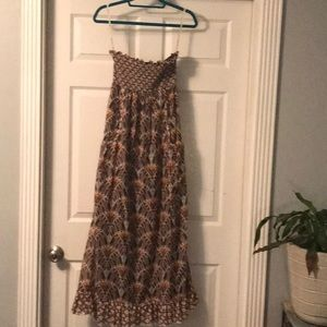 Theme patterned maxi dress size small